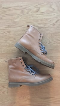 Leather boots Edmonton, T6J 0R5