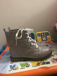 Girls size 12 cat and jack boots like new only worn three times New Carrollton, 20784