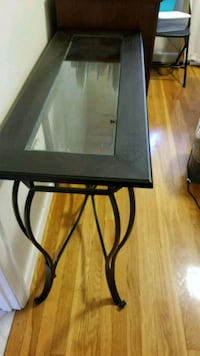 Entry way table / buffet server Chelmsford, 01863