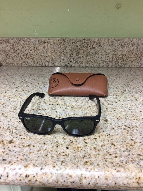 9e860efed2 Used Ray bans with case for sale in Spring - letgo