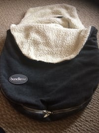 baby's black and white bundle me swaddle blanket Calgary, T2K 0H6