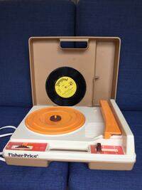 1978 Fisher Price Portable Turntable Record Player  33 & 45 RPM