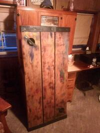 old wooden hatch cover which can be made into a table from an old ship