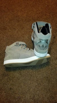 11½ Tan and White Colored Suede and Leather Adidas Chattanooga