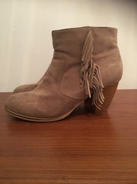 Like New Size 10 Booties Mississauga, L4Z 4A1