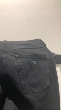 Black Guess jeans