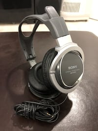Sony MDR -XD 200 headphone. Pick up in Richmond hill