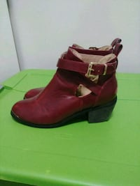 Red leather Spring/Fall boot - 10 womens Ottawa, K2C