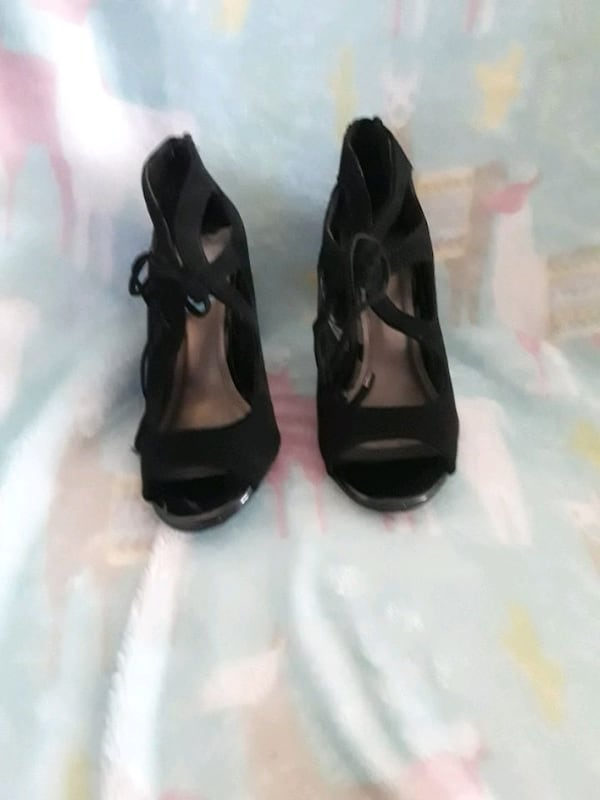 Womens dress shoes worn once size 6 93d26be3-5202-4628-a7cd-f3aad6ff2a76