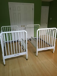 White Jenny Lind convertible crib with toddler rail (2 available) Chevy Chase, 20815