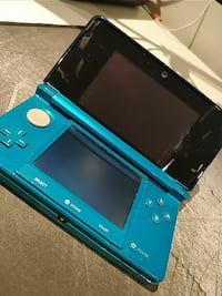 3DS 10/10 Condition for sale! (W/ Pokemon Moon)