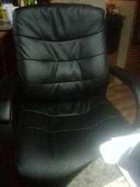 black leather office rolling chair Salem, 97317