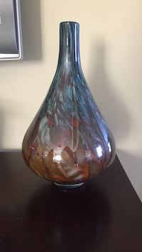 gray and brown glass vase Los Angeles, 91606