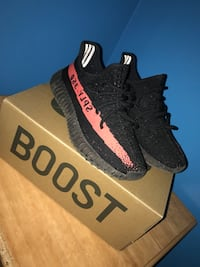 pair of black Adidas Yeezy Boost 350 V2 with box Vaughan, L6A 3J5