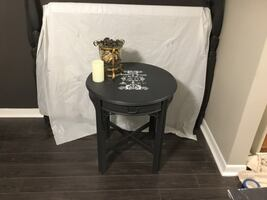 Upscaled gray accent table w/drawer. Gorgeous detailed stencil.Deliver
