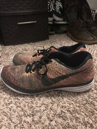 pair of black-and-brown Nike running shoes La Mesa, 91942