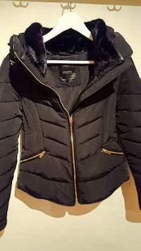 svart to tone pels krage zip-up parka jakke