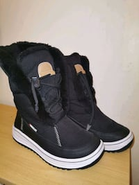 Winter Boots For Women Size 8.5/8
