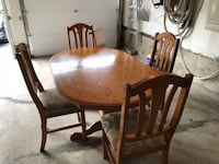 Oak Table, Oval with 4 chairs  Markham