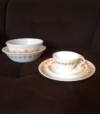 5 Pieces of Vintage Butterfly Gold—Pyrex Milk Glass & Corelle Vienna, 22180