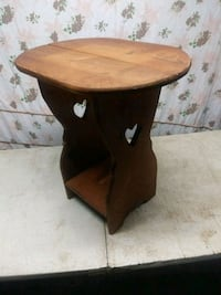 brown wooden side table with drawer Chambersburg, 17202