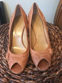 Valentino tan embroidered wedges