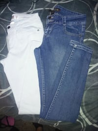 2 pairs of skinny jeans Atwater, 95301