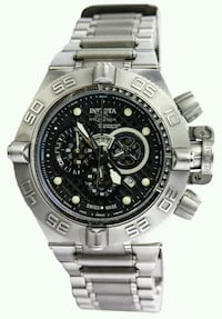 round silver-colored chronograph watch with link b Lakewood, 98439