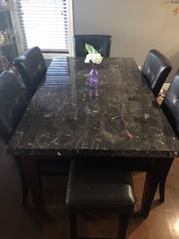 Dining table and chairs Edmonton, T5Y 0G6