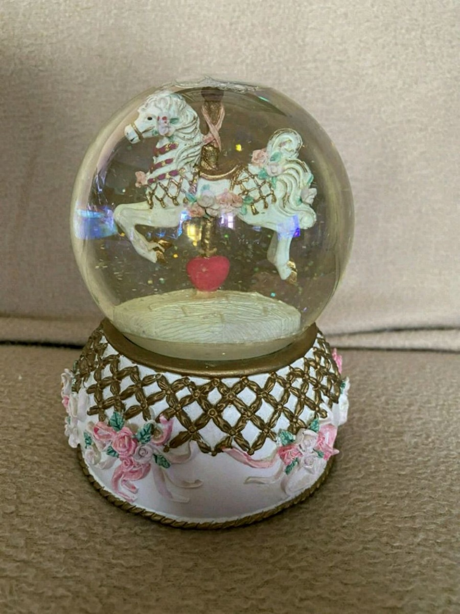 Photo Musical Carousel Horse Snowglobe