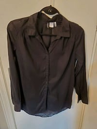 Black Button Up Size 4 Guelph, N1E 4G1