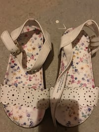 Girls H&M sandals size 11.5. Only wore a few times London