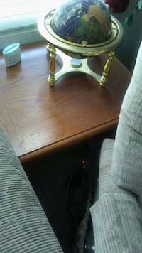 Oak end table and coffee table  Charlotte, 28277