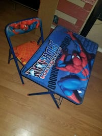 Spiderman table and Chair  1621 mi