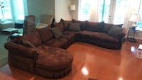 5 Piece Sectional Sofa and throw pillows Reston, 20194