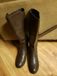 Brown boots  Sevierville, 37876
