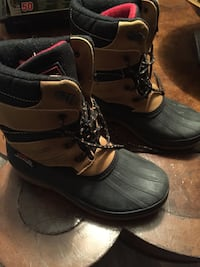 Boys winter boots  Toronto, M6N 4P8