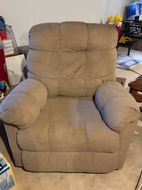 Tan recliner. MOTIVATED TO SELL! Laurel, 20708