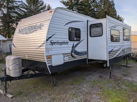 2013 Springdale By Keystone 29ft Travel Trailer, Sleeps 10, Huge Slide