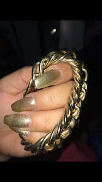 Forever 21 gold chain bracelet Richmond, 94804