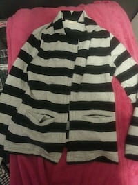 women's white and black stripe cardigan Québec, G6X 2N1