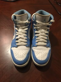 pair of white-and-blue Nike basketball shoes Baton Rouge, 70809