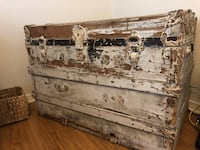 Beautiful antique trunk Edwards, 93523