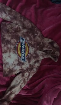 Pink dickies crop top Calgary, T2A 1L9
