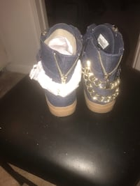 Just Fab Sneakers  Tallahassee, 32303
