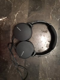 Sony wired headphones  Toronto, M1T 3L5