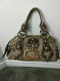 Authentic GUESS Satchel Purse Prince George, V2N 4V1