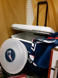 Cooler veggie container towel all new Patriot Raynham, 02767