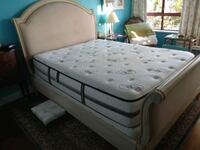 Extra firm queen size mattress and boxspring New Westminster, V3M
