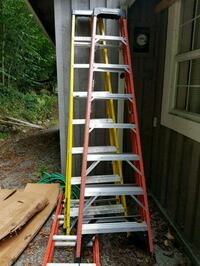 red and gray metal ladder Maple Ridge, V2W 1M4